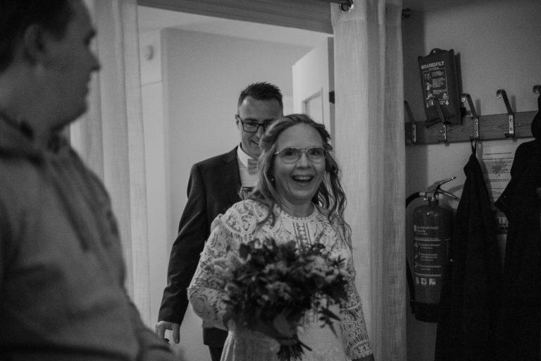 bröllopsfotograf enköping, bröllop uppland, bröllop 2021, utomhusbröllop, rebecka thorell photo