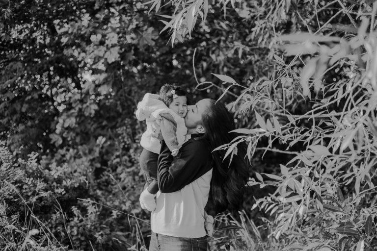 porträttfotograf, fotograf enköping, rebecka thorell photo, motherhood, mamma och barn fotografering