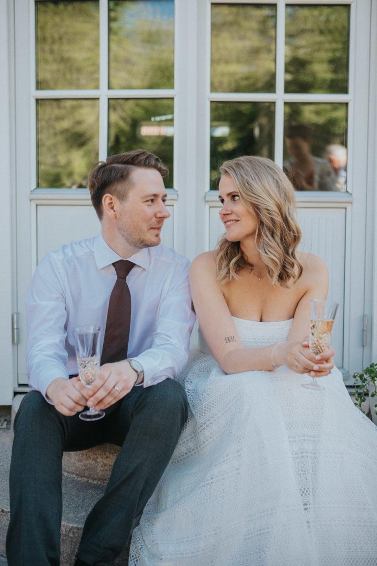 intims bröllop enköping, wallinska gården, hembygsförening uppland, rebecka thorell photo, bröllopsfotograf enköping
