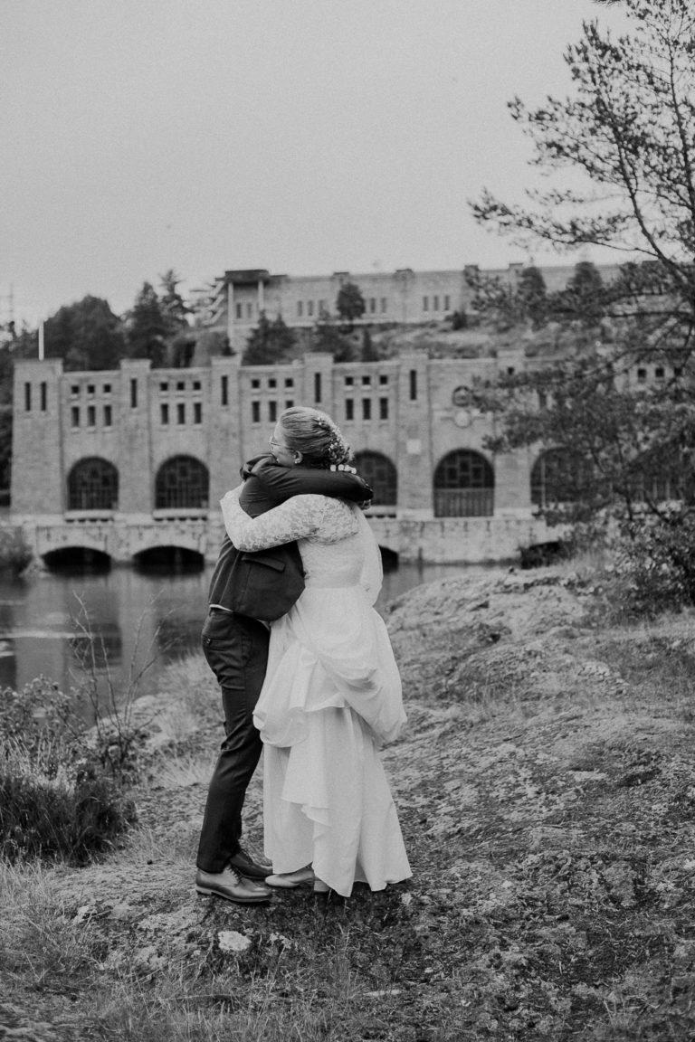 bröllop trollhättan, bröllopsfotograf trollhättan, bröllop västergötland, bröllop uddevalla, bröllop vänersborg, bröllopsfotograf lidköping, oliden, vattenkraftverk, bröllopsporträtt