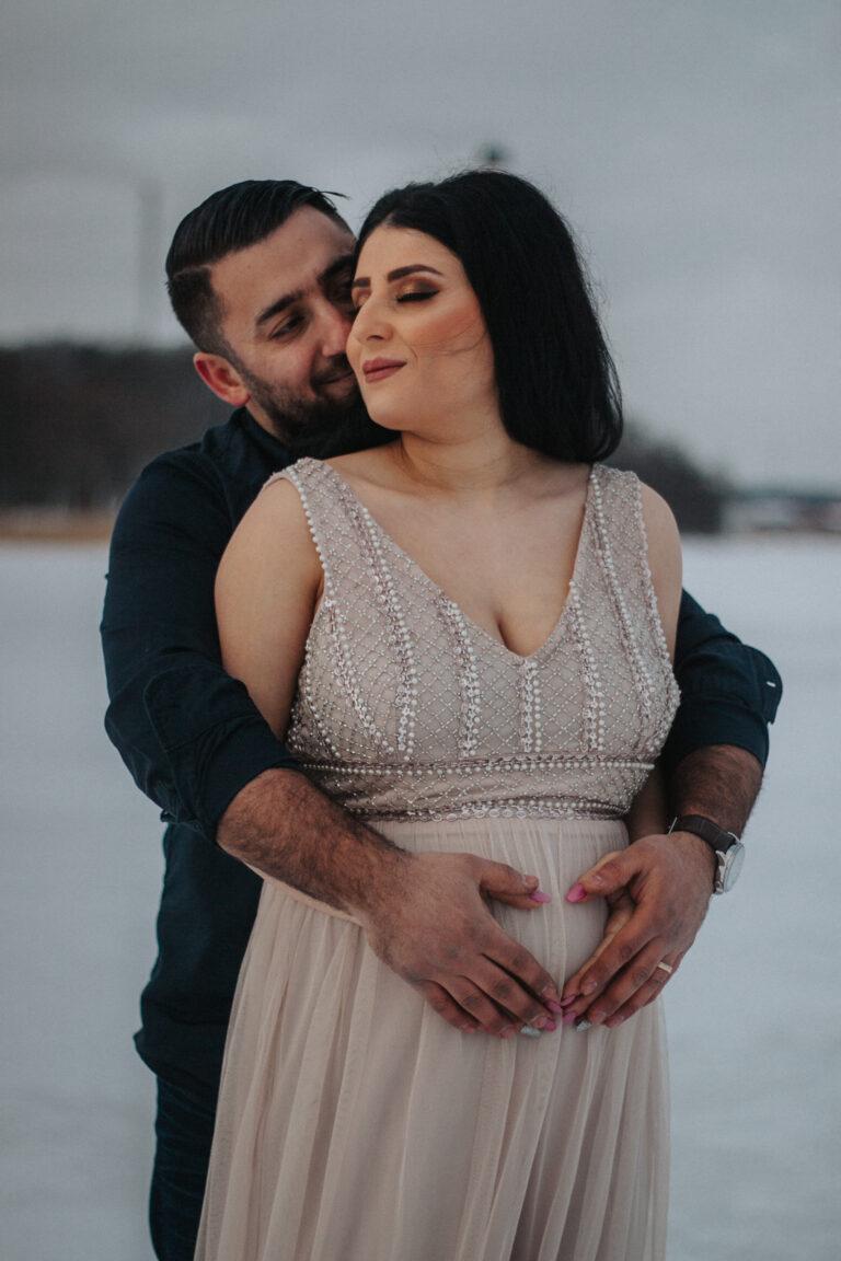 gravidfotograf enköping, gravidfotografering uppland, gravidfotograf, fotografering gravid vinter